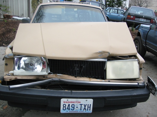 http://cascadiascorecard.typepad.com/photos/uncategorized/crumpled_volvo.JPG